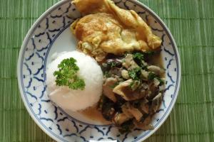 Rezept für Wok Austen Shiitake Pilze in Petersiliensoße mit Eieromelette und Reis
