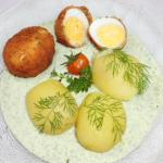 frittierte Eier in Kräutersauce