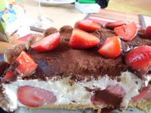 Rezept: Erdbeer Tiramisu Torte
