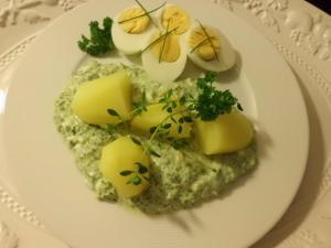 Rezept:Grüne Sauce mit Eiern und Lartoffeln