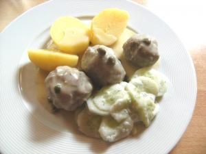 Rezept: Kartoffeln, Königsberger Klopse, Dillgurkensalat