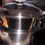 Kochtopf im Siebeinsatz Couscous dämpfen