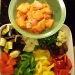 die Vorbereitung in 8 Minuten den Fisch mariniert,Gemüse klein geschnitten