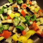 Gemüse in der Pfanne kurz gedünstet