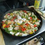 Paella mit Gemüse,Hähnchen,Schweinefleisch,