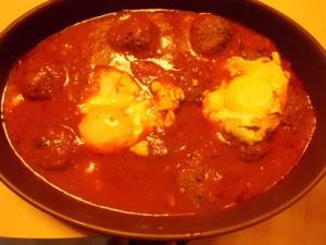 Rezept für Tajine Hackfleisch mit Eiern