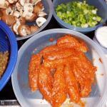 die Zutaten für Tandoori-Hähnchen vorbereitet