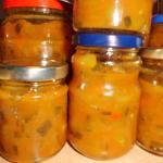 Zucchini Chutney in Gläser pikant Eingemachtes