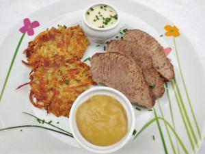 """Tafelspitz kochen """" Rösti,Tafelspitz,Meerrettichsauce und Apfelbei"""""""