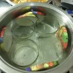 die Gläser abkochen und steril zum Einkochen vorbereiten