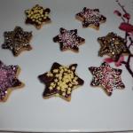 Sterne mit Sckokolade und Zuckerdeko