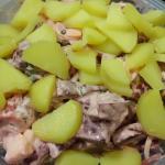 Kartoffeln,Majo und Joghurt untermischen