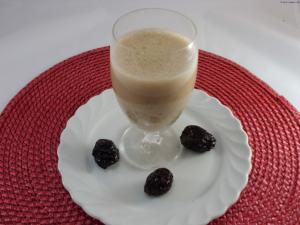 Buttermilch-Trockenpflaumen Drink