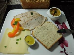 Frühstück SchweineBraten und Käse