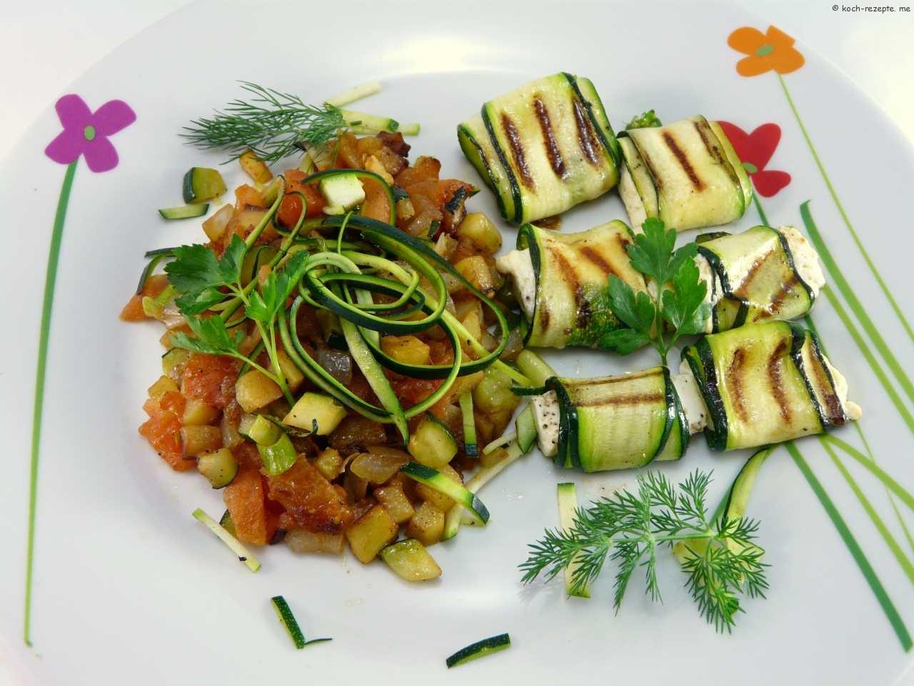 zucchinir llchen gef llt mit weichk se und gegrillt vegetarisch. Black Bedroom Furniture Sets. Home Design Ideas