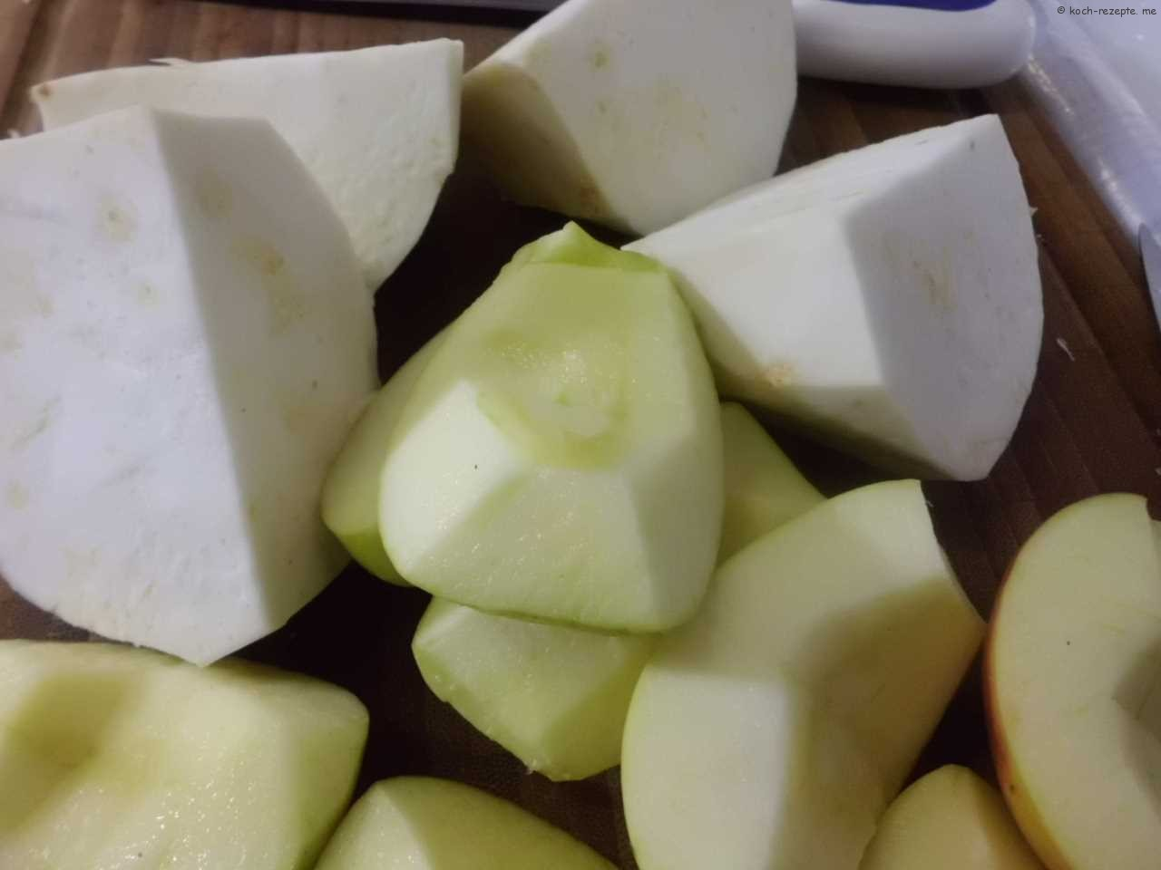 Sellerieknolle und Apfelviertel