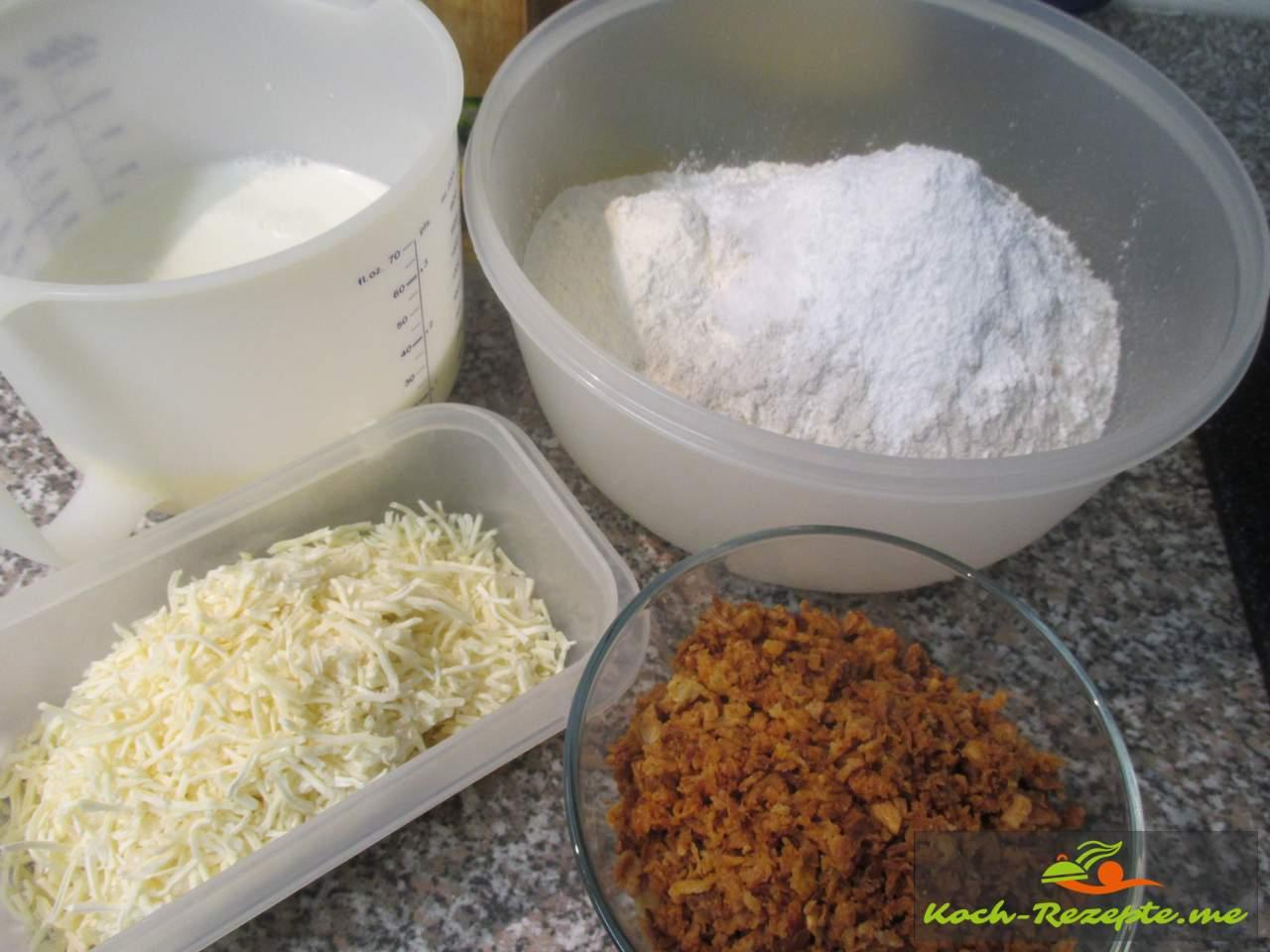 Alle Zutaten: Käsebrot und Zwiebelbrot