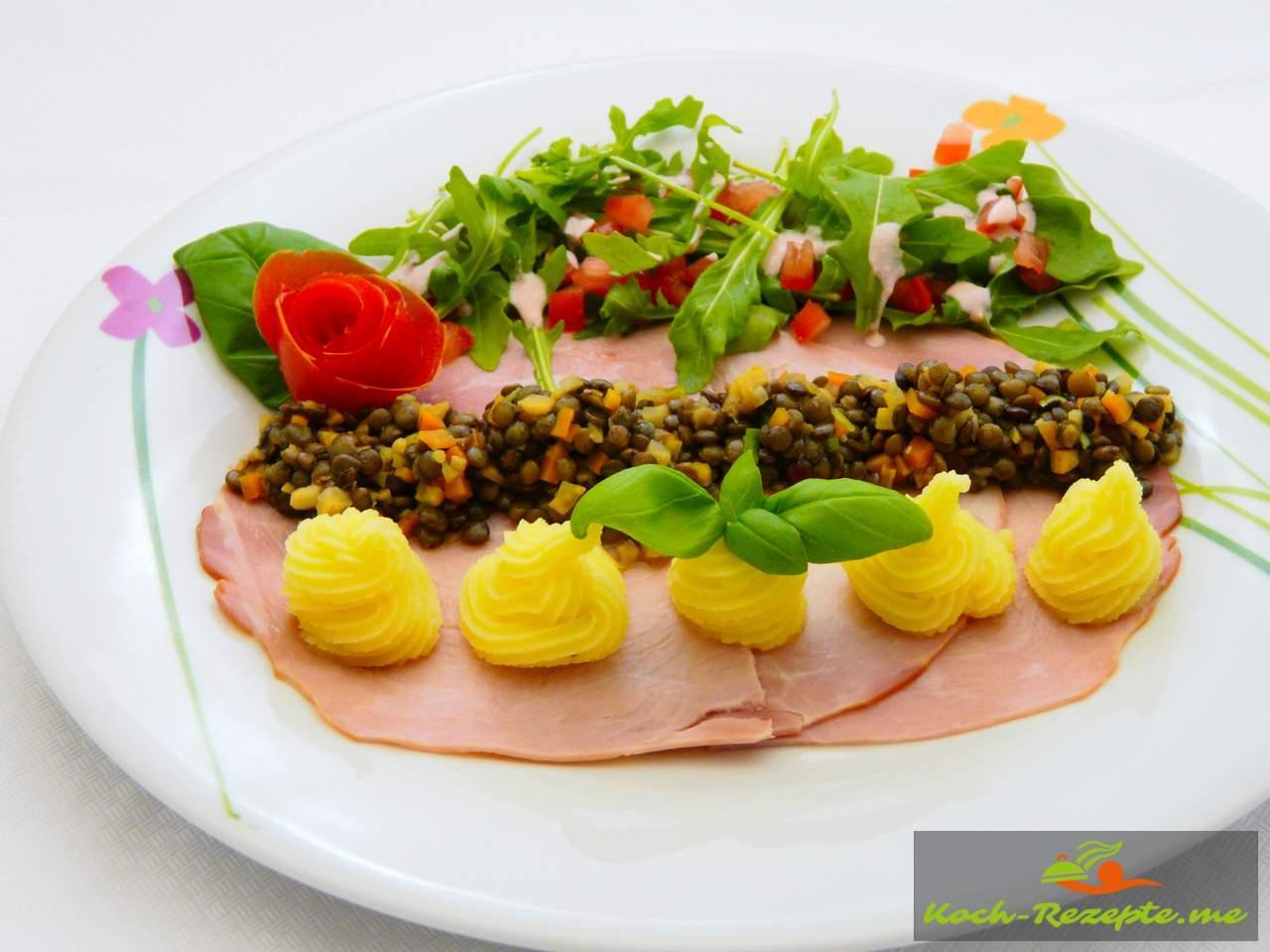 Carpaccio von Kochschinken und Linsensalat