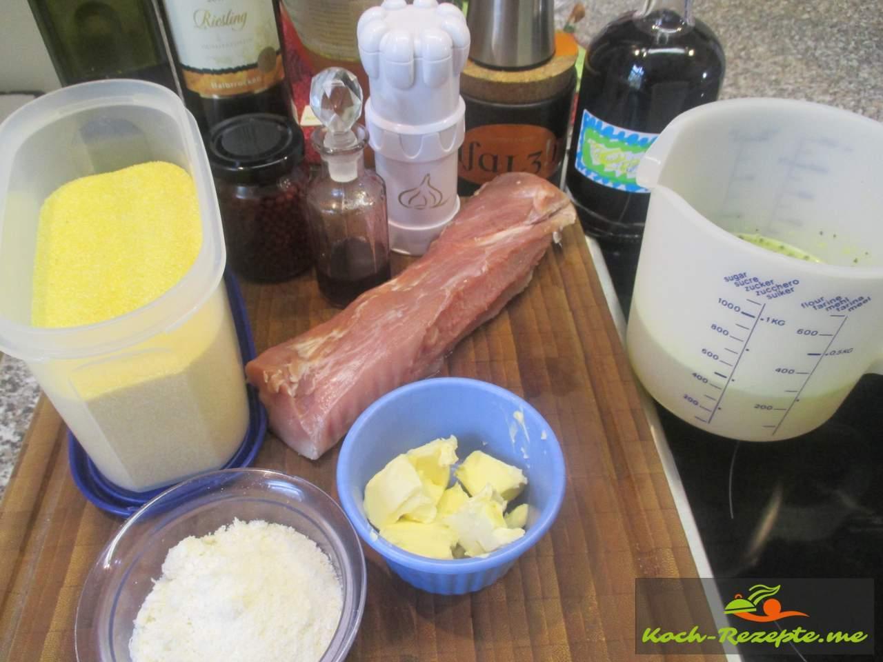 Zutaten für Schweinefilet mit Polenta, Rotwein-Holunderbasilcumsauce
