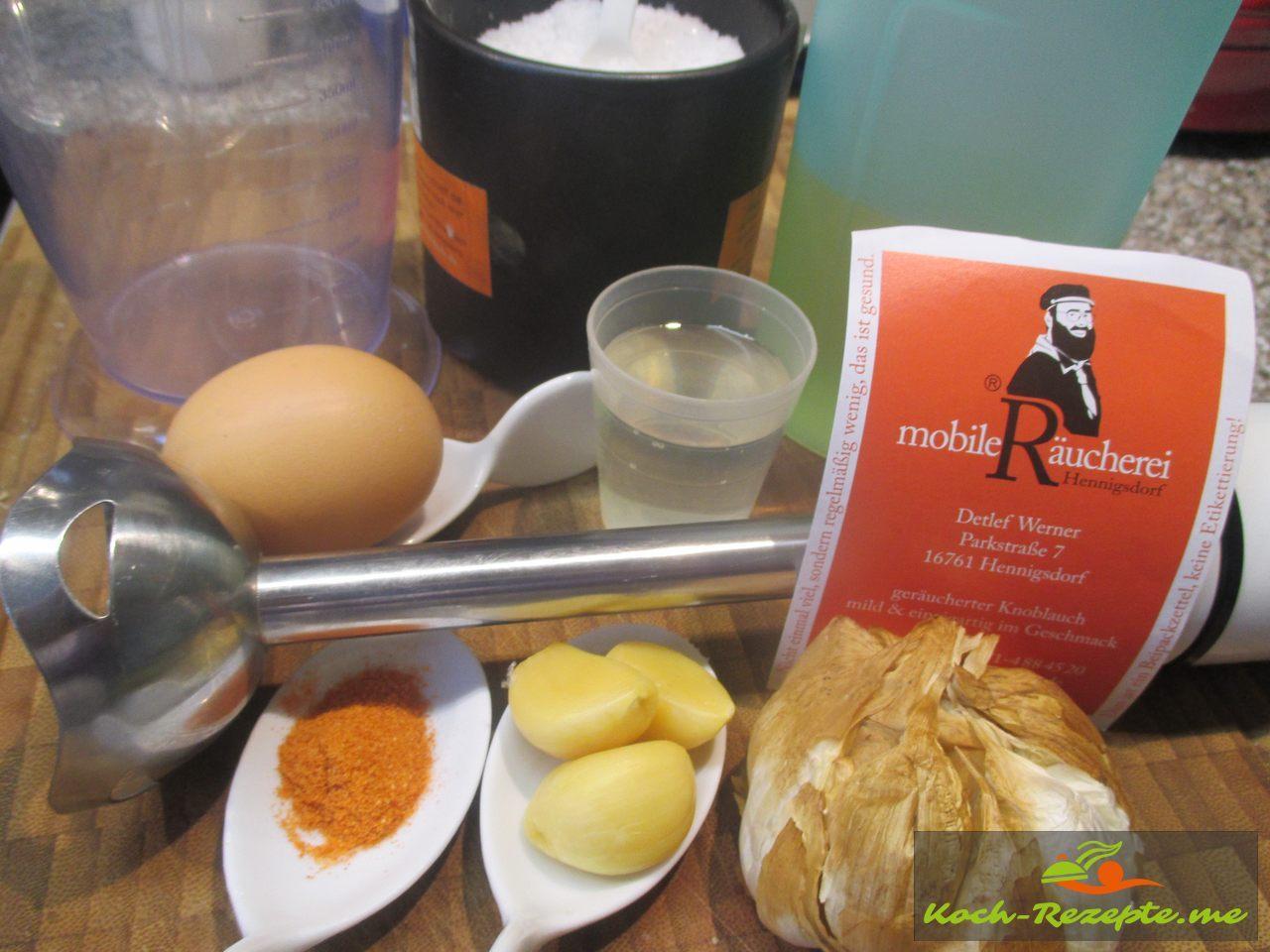 Zutaten für frisch gemachte Knoblauch Mayonnaise