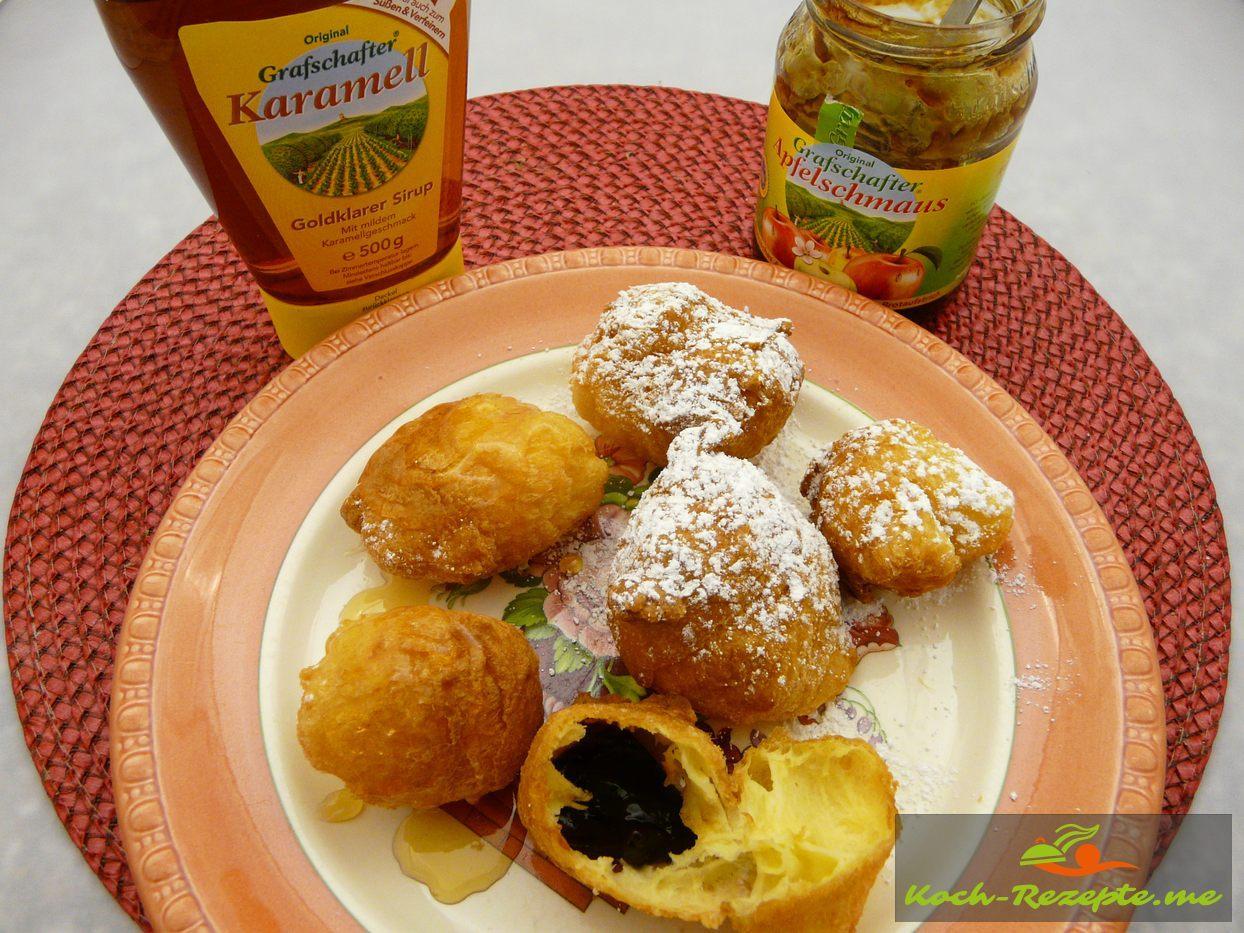 Köstliches Karnevalls Schmalzgebäck mit Rübenkraut und Apfelkraut
