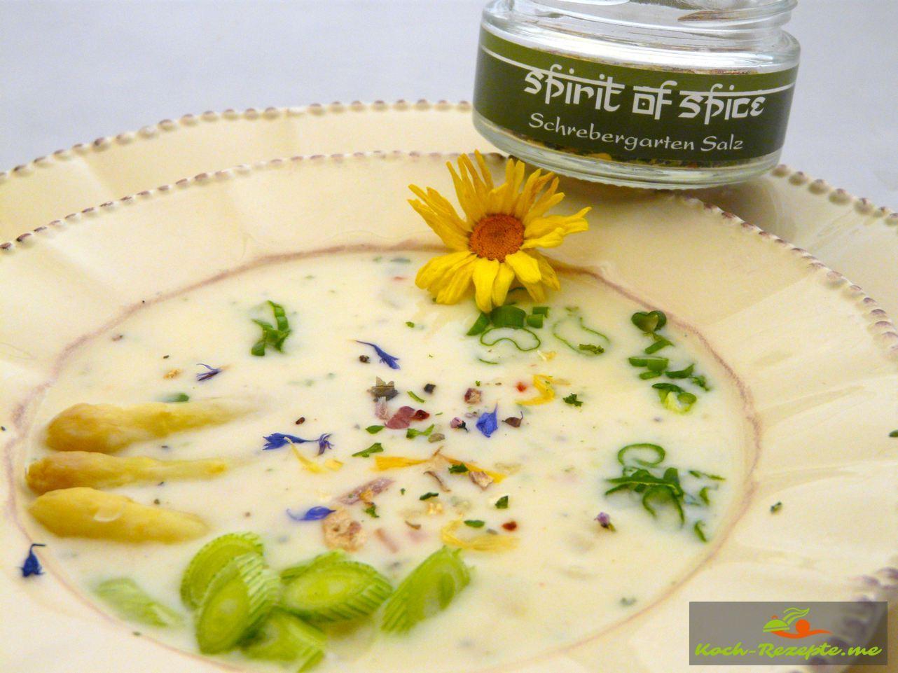 Spargel-Schrebergarten Suppe mit Schmelzkäse mit Schrebergarten Salz von Spirit of Spice