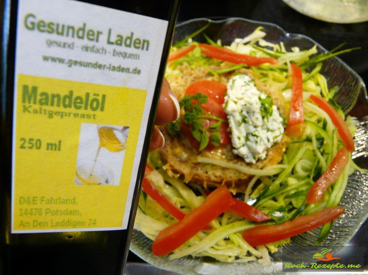 Zum Low Carb Thunfisch-Soufflé, Salat mit frischer Zitrone und feinem Mandelöl vom Gesunder Laden