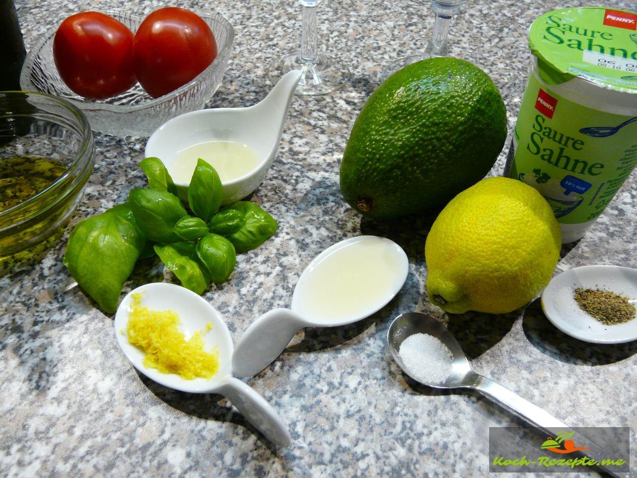 Zutaten für Avocadocreme mit Tomaten.