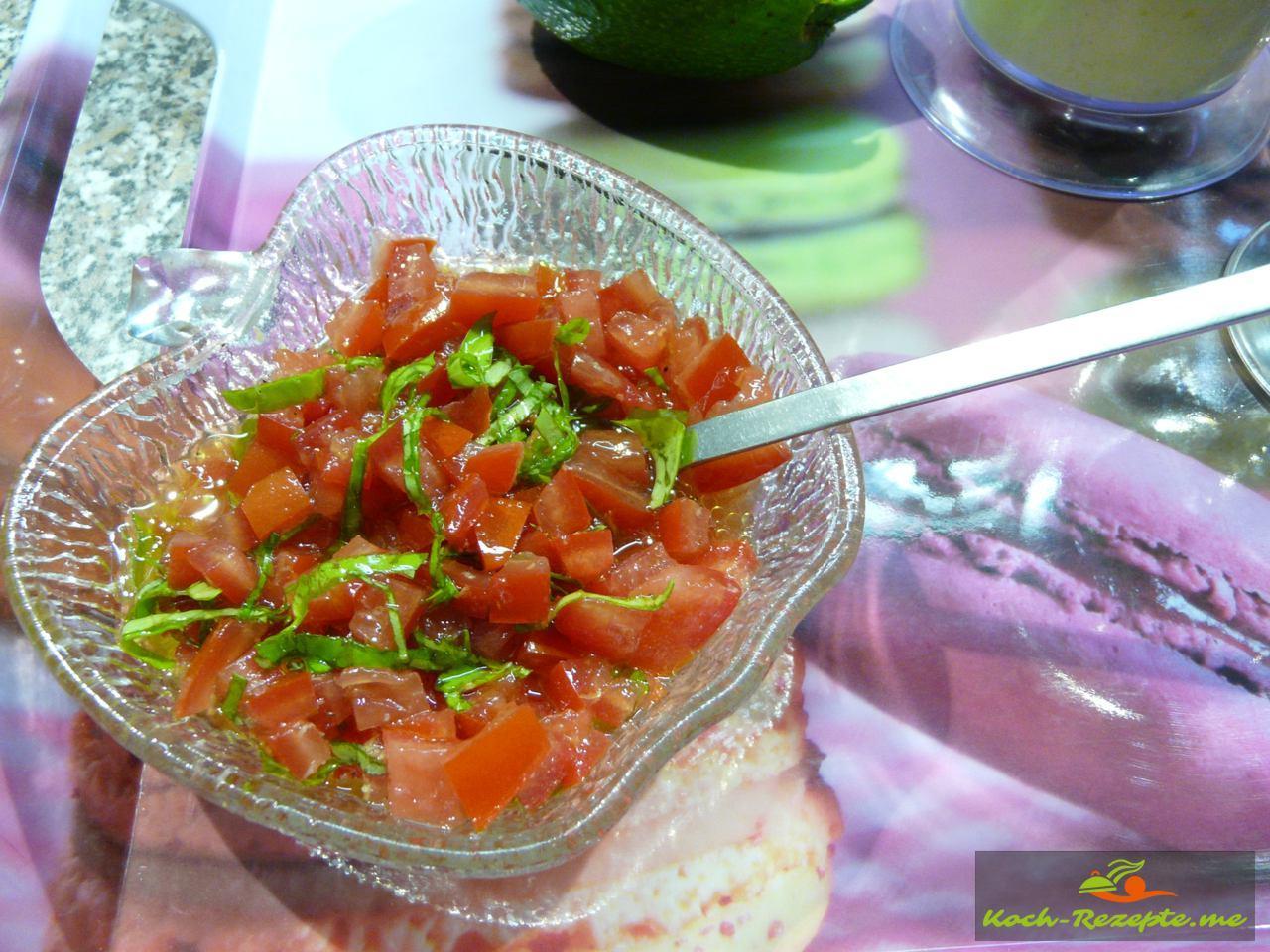 Tomatenwürfel mariniert