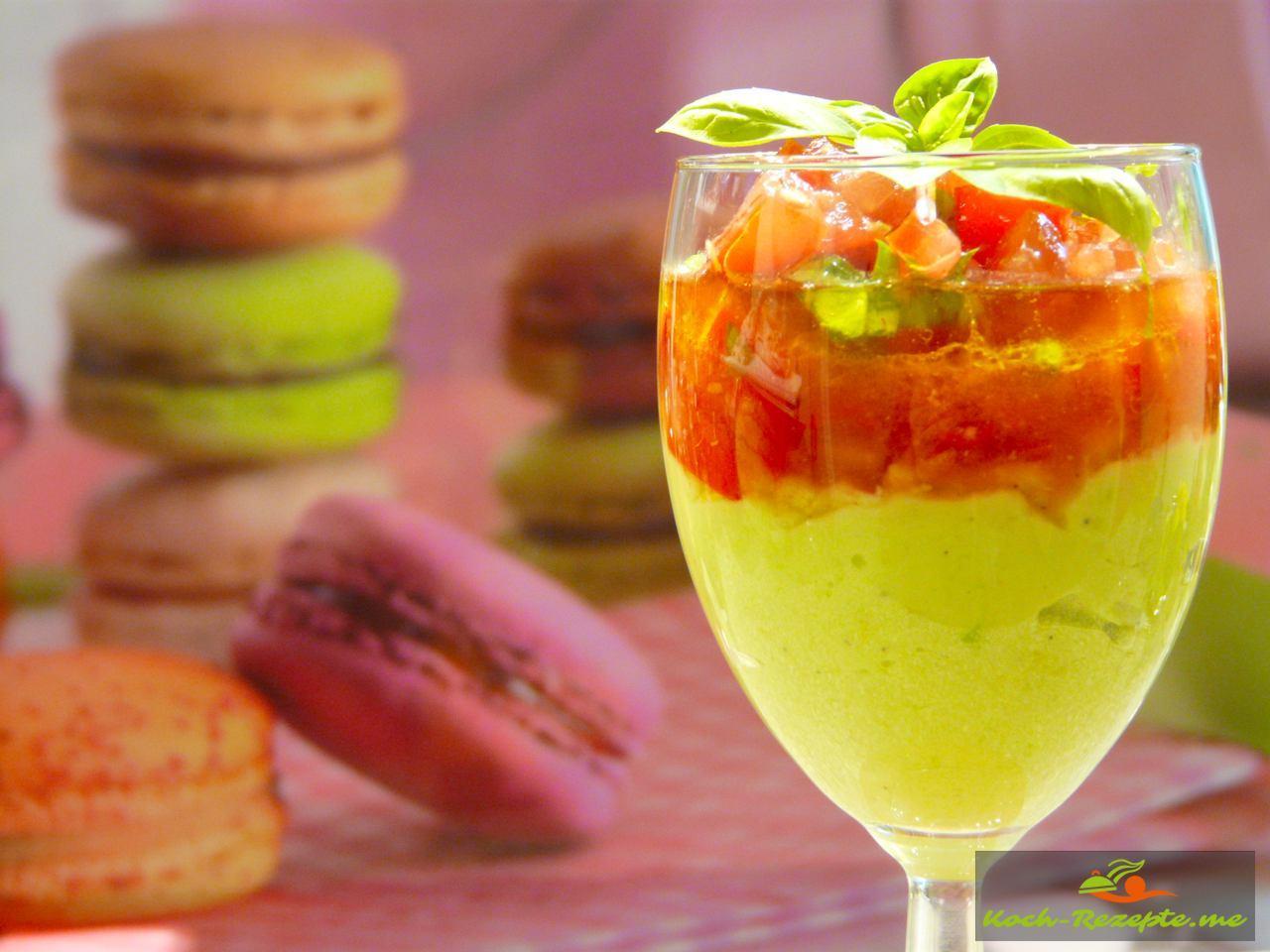 avocadocreme eine schnelle und kalte vorspeise mit tomaten. Black Bedroom Furniture Sets. Home Design Ideas