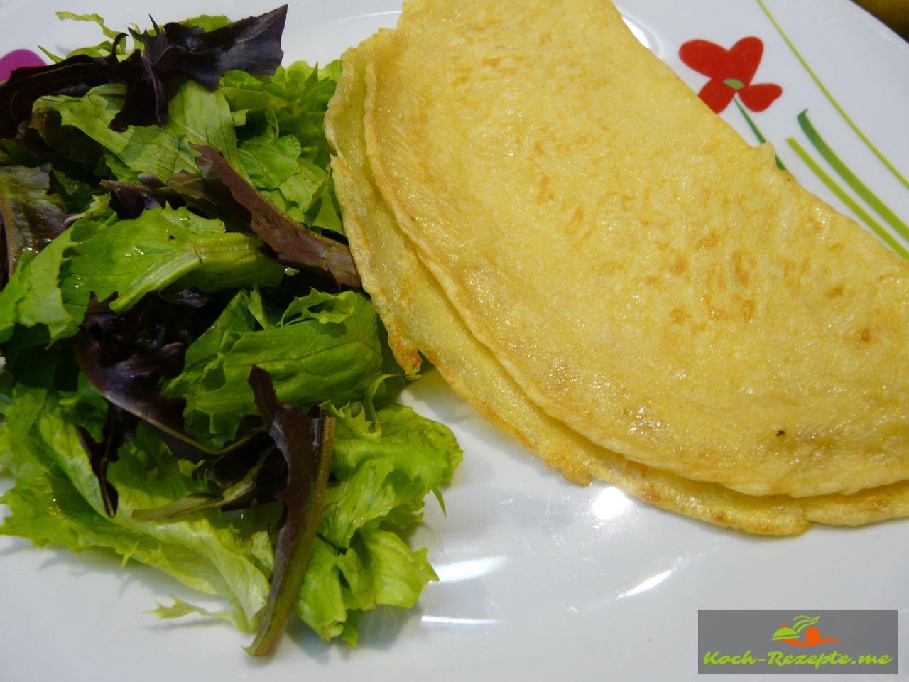Für Vegetarier Salat mit Pfannkuchen