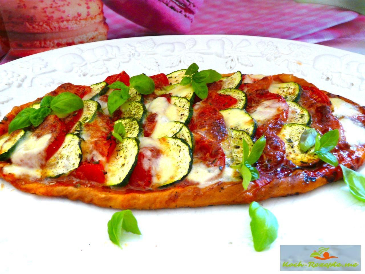 Rezept für Vegetarische Sommer Pizza leicht und gesund kochen.