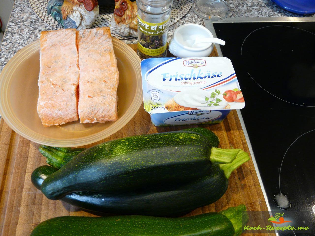 Zutaten für eine Lachs-Zucchini Rolle  mit Frischkäse, Ei, Gewürzmischung Zitronen-Pfeffer Spirit of Spice