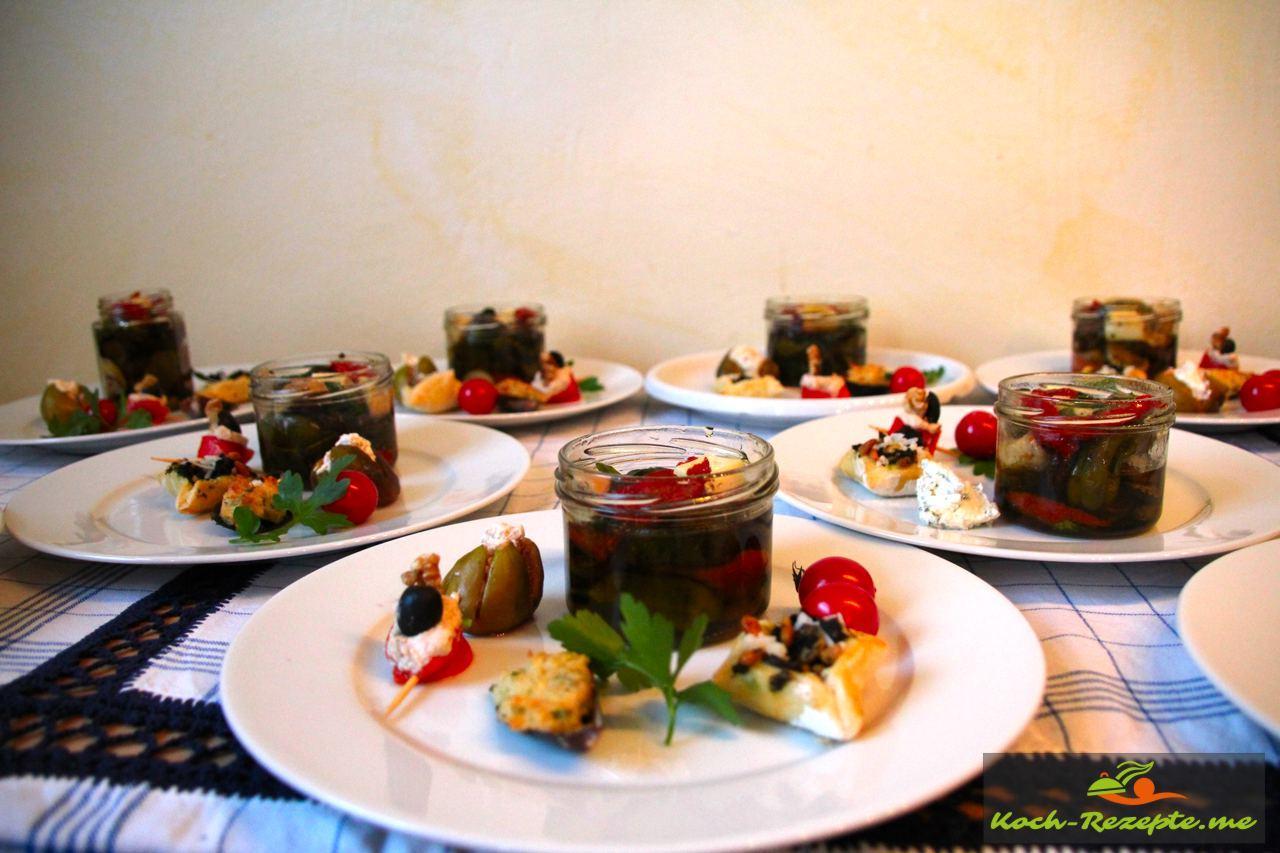 Antipasti Teller mit überbackene Miesmuscheln