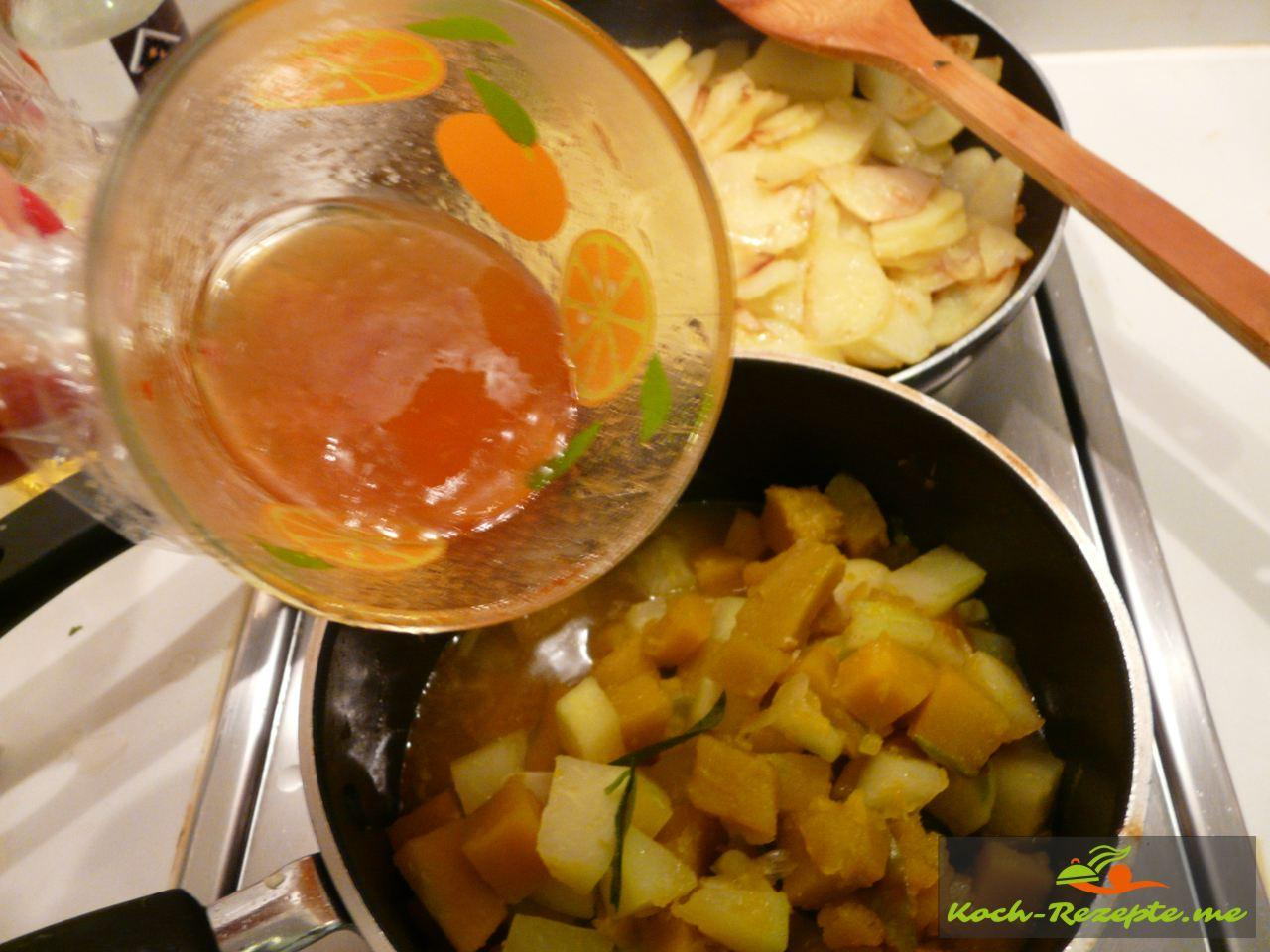 Ins Pumpkin-Pataya Gemüse  noch etwas  Mango-Melonen Chutney  geben, eventuel andicken mit Speisestärke