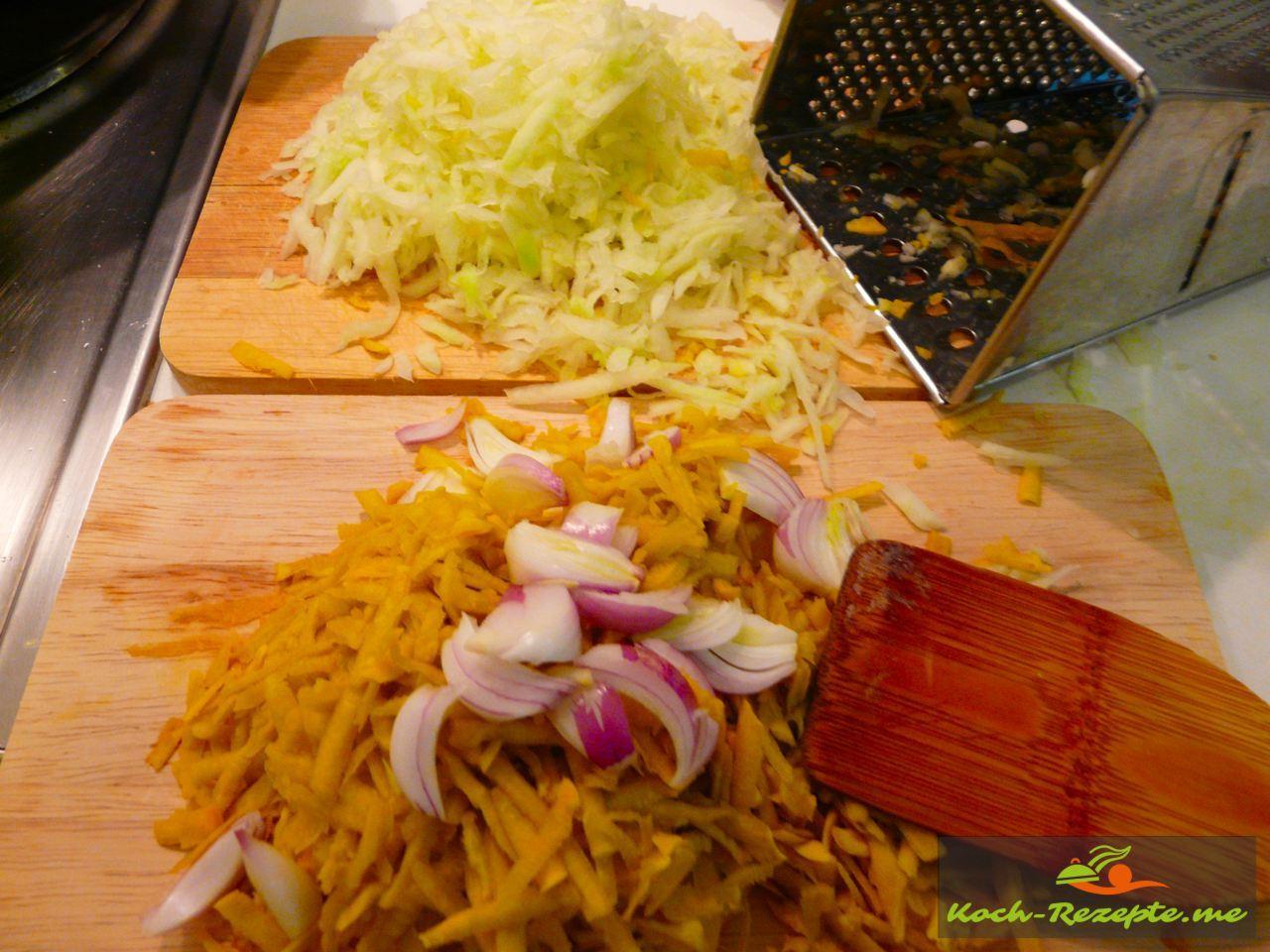 Thai Rezept Gemüse Nudeln Garnelen, Kürbis und Papaya raspeln