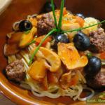 20160504_Boeuf Hache Tomate sur Spaghetti._0001Tomatensauce mit Hackfleischbällchen