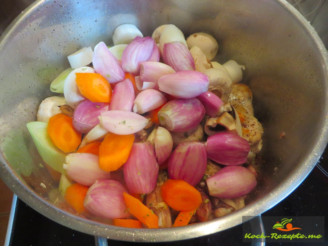 Das Gemüse wird darauf platziert