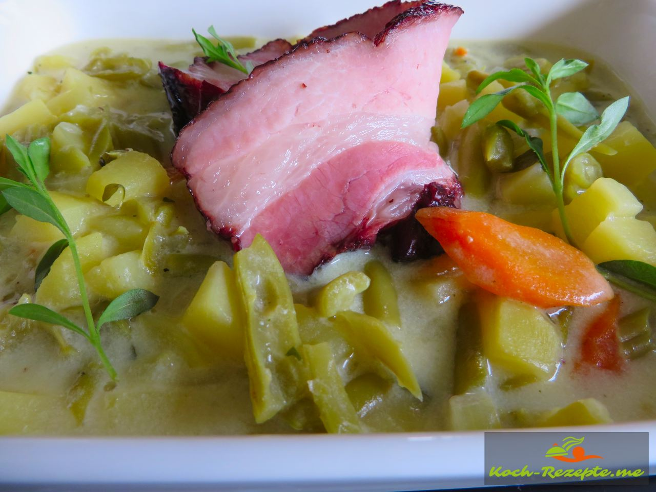 Grüne Bohnen-Buttermilch Suppe