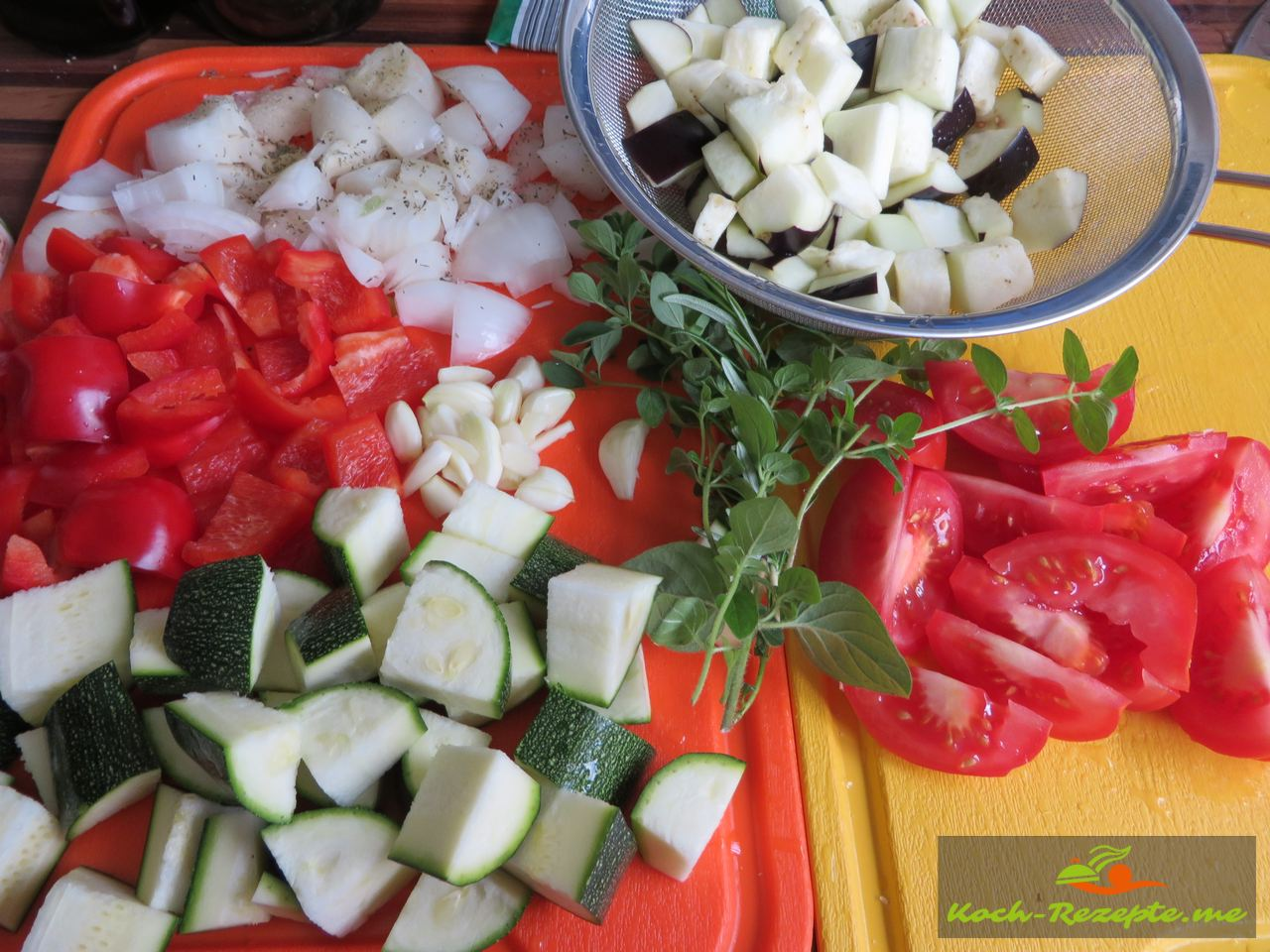 Zutaten  mediterranes  Gemüse mit Hähnchen gewürfelt
