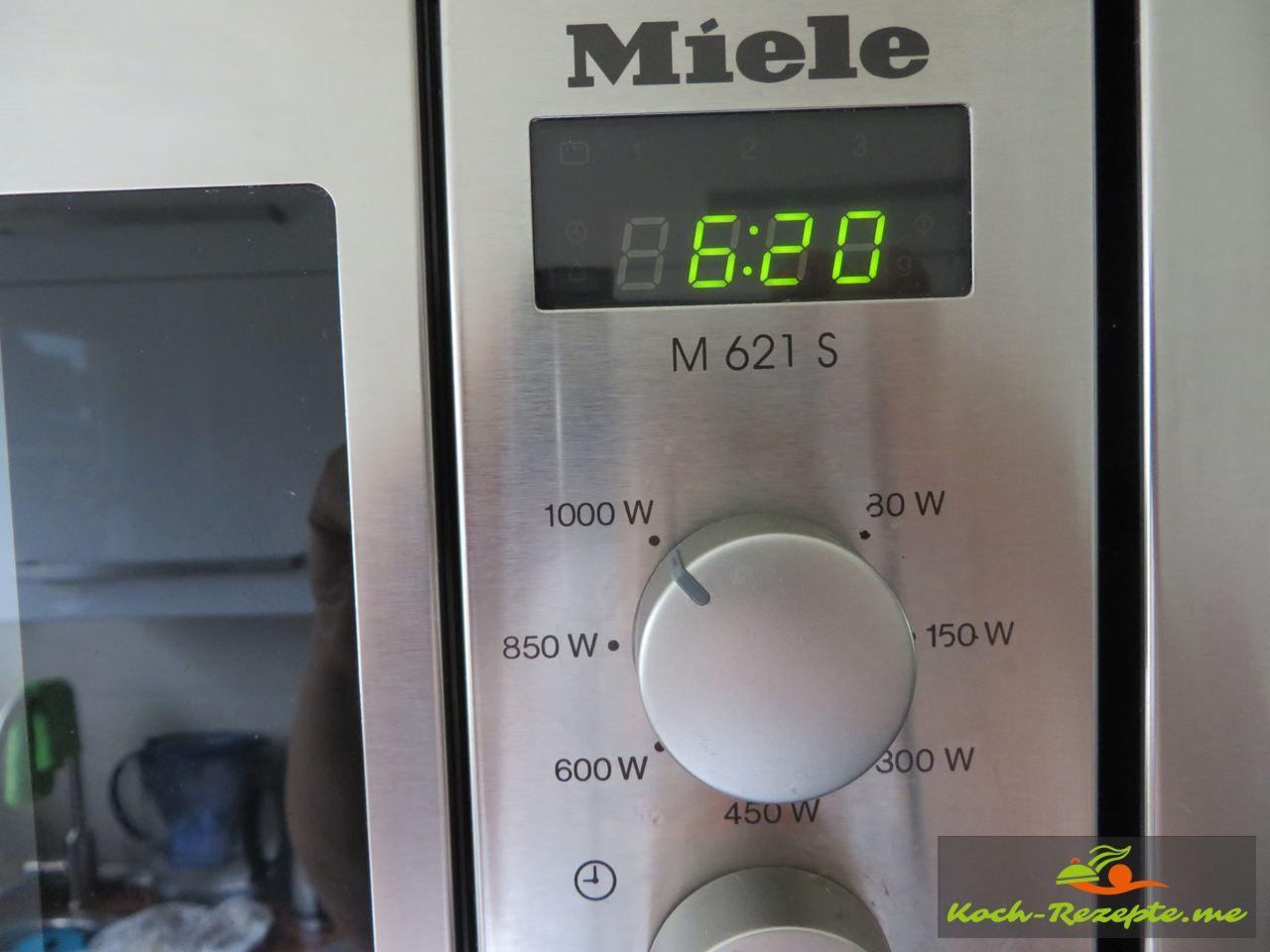 dünsten der Paprika in der Mikrowelle höchste Stufe 6-8 Minuten