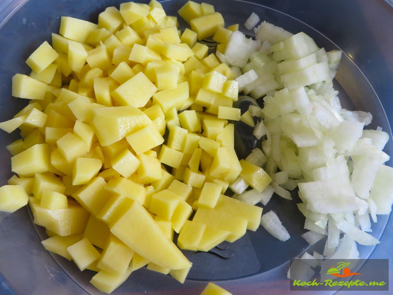 Kartoffeln und Zwiebeln anbraten