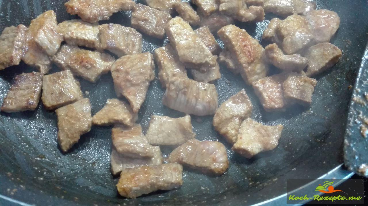 Schweine-Fleisch anbraten