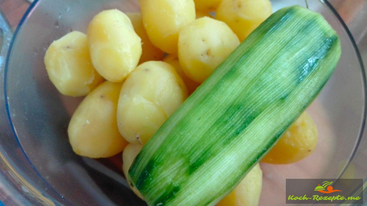 Pellkartoffeln und Salatkurken