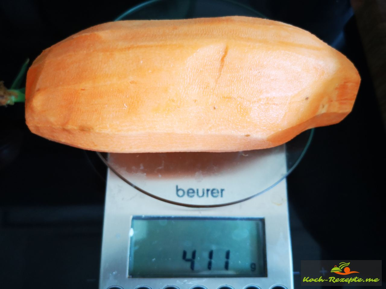 Süßkartoffel schälen und reiben