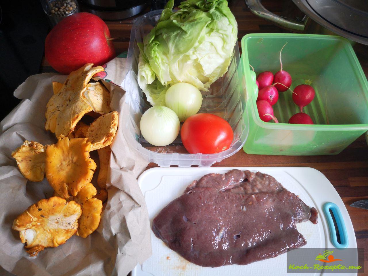 Zutaten für Kalbsleber mit Pfifferlingen, Rotweinsauce und Kartoffel-Apfel Stampf gemischten Salat