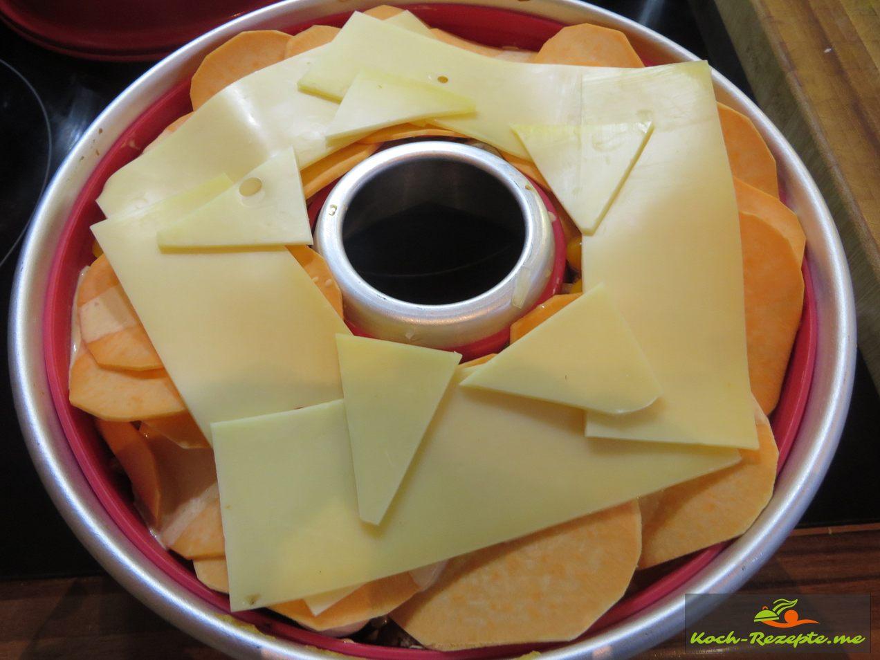 Mit Käse abdecken
