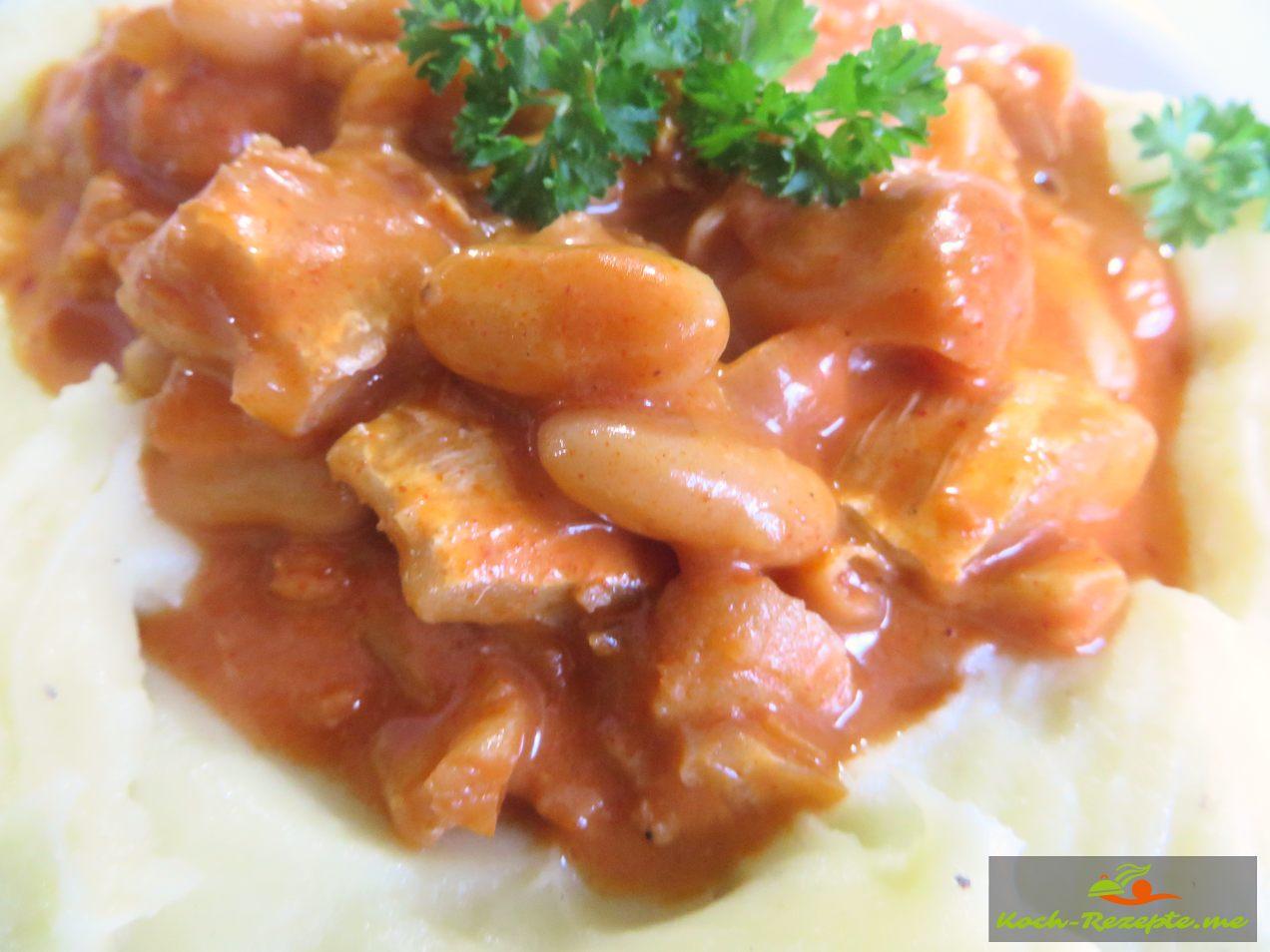 Fischgulasch schnell und deftig in Tomatensauce