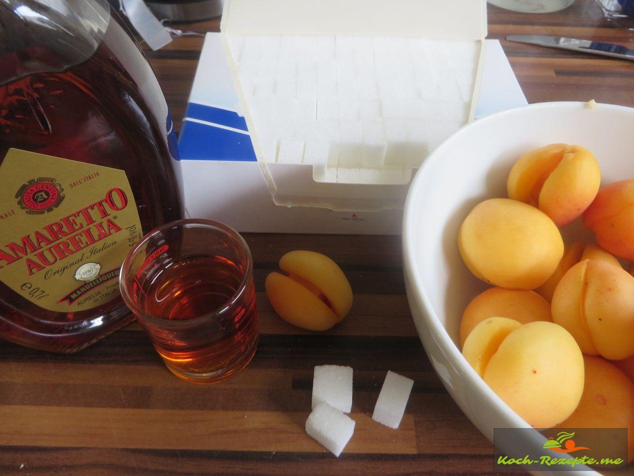 Füllung, Zuckerwürfel getränkt in Ameretto
