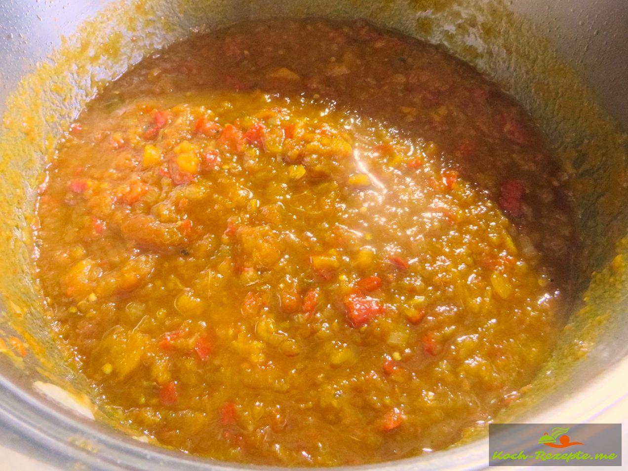 nach 3 Stunden köcheln ist die Gemüsepaste, die  Sauce fertig